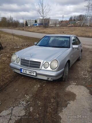 Mercedes-Benz E 220 2.2 92kW