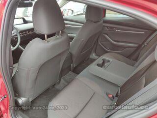 Mazda 3 Skyactiv-X Dynamic 6AT 2.0 132kW