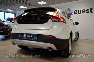 Volvo V40 Cross Country CAM / BLACK EDITION / BUSINESS P 2.0 D3 WINTER 110kW