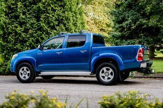 Toyota Hilux INVINCIBLE 3.0 126kW
