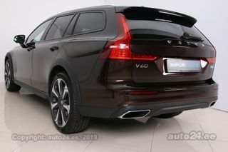 Volvo V60 Cross Country AWD PRO LUXURY INTELLI WINTER 19 2.0 D4 140kW
