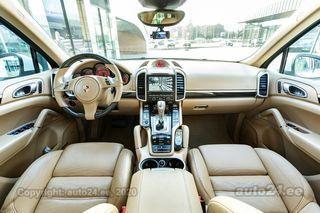 Porsche Cayenne Chrono package 3.0 V6 TDI 180kW