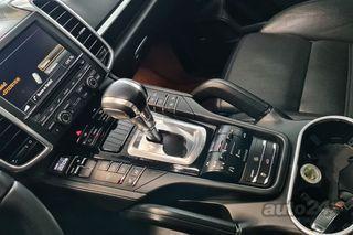 Porsche Cayenne 4.8 Turbo 4.8 368kW
