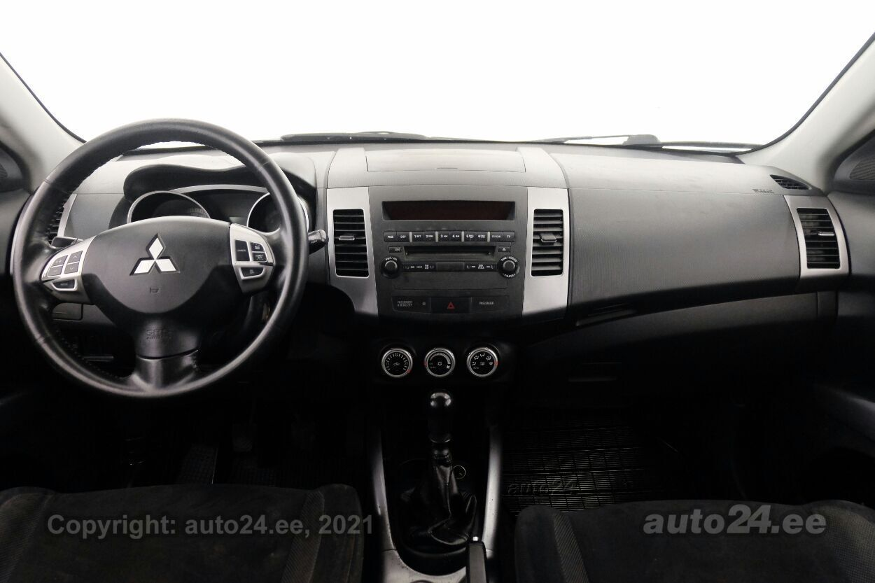 Mitsubishi Outlander Comfort 2.0 DiD 103 kW - Photo 5