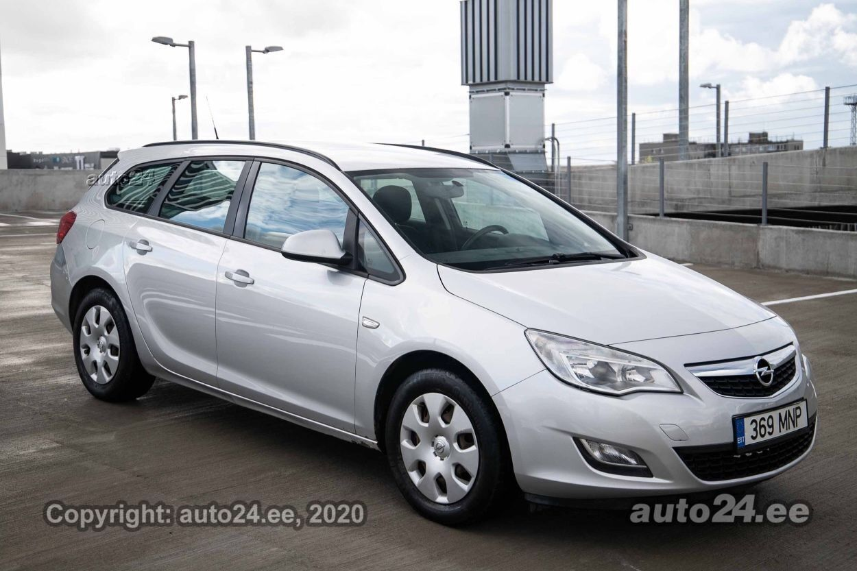 Opel Astra Tourer Comfort - Photo