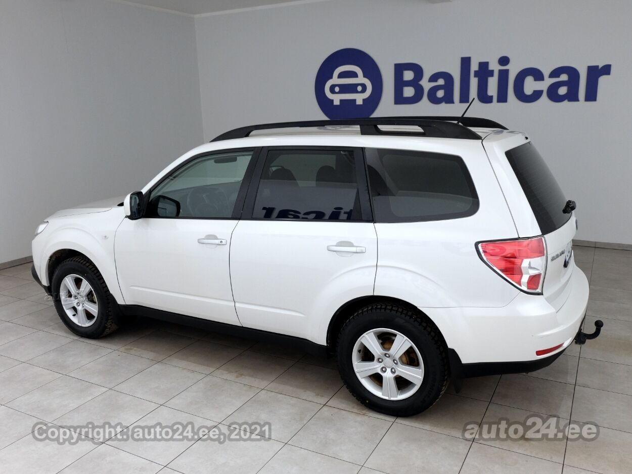 Subaru Forester Comfort ATM 2.0 110 kW - Photo 4