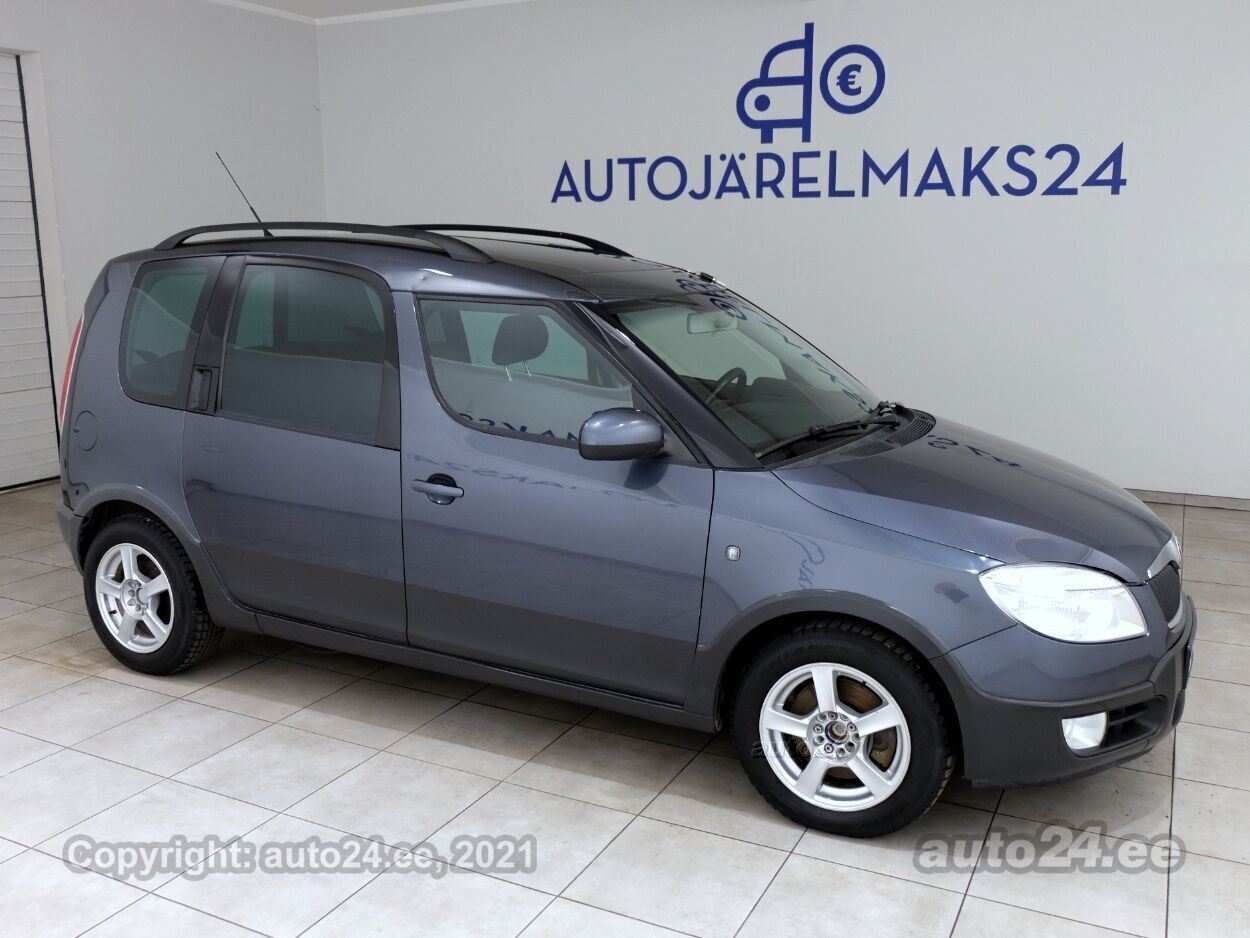 Skoda Roomster Scout Opensky - Photo