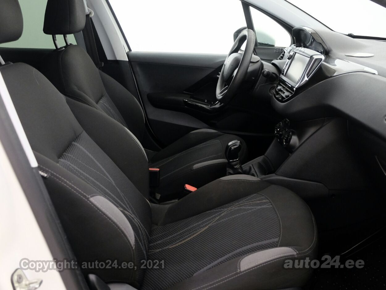 Peugeot 208 Active 1.4 HDi 50 kW - Photo 6
