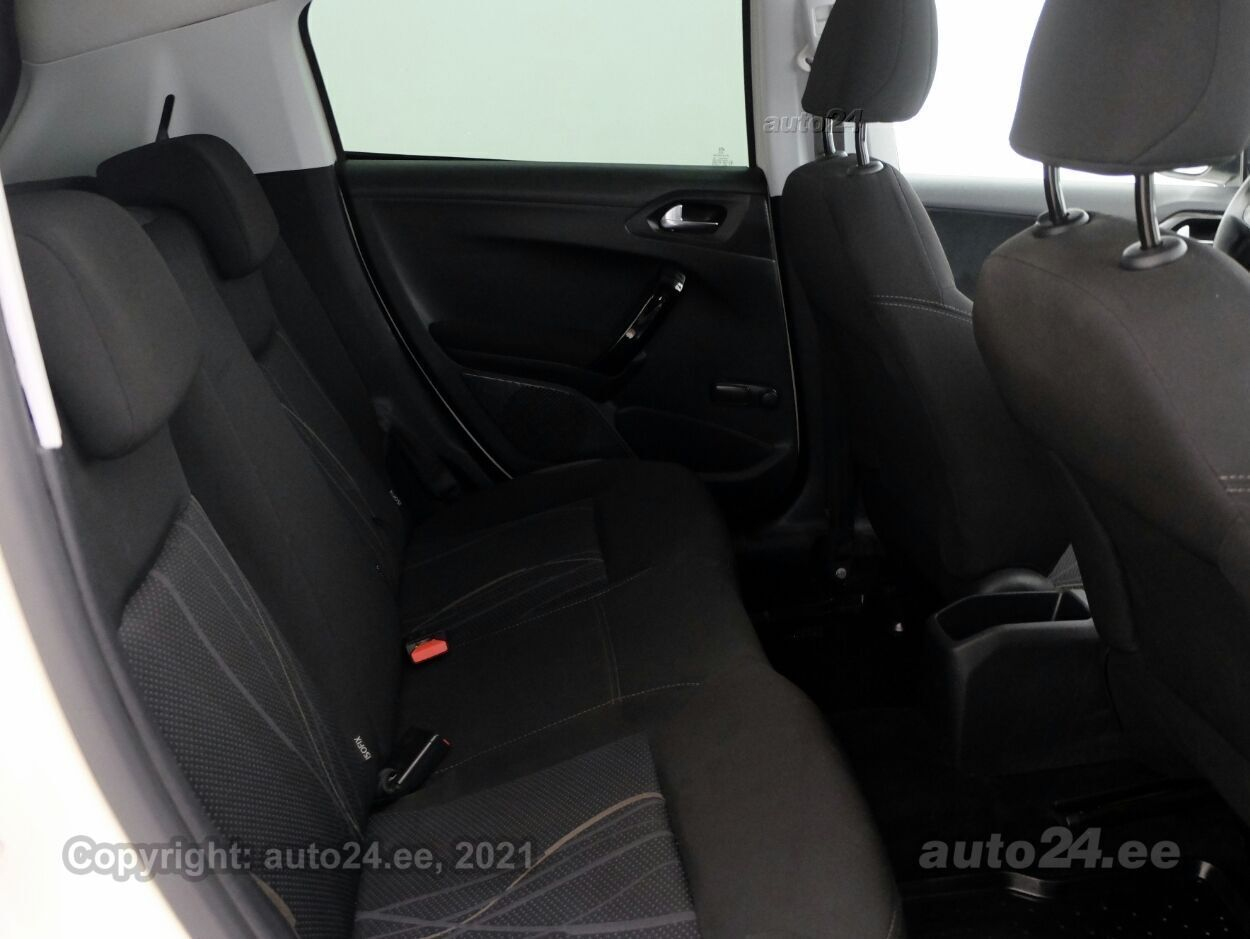 Peugeot 208 Active 1.4 HDi 50 kW - Photo 7