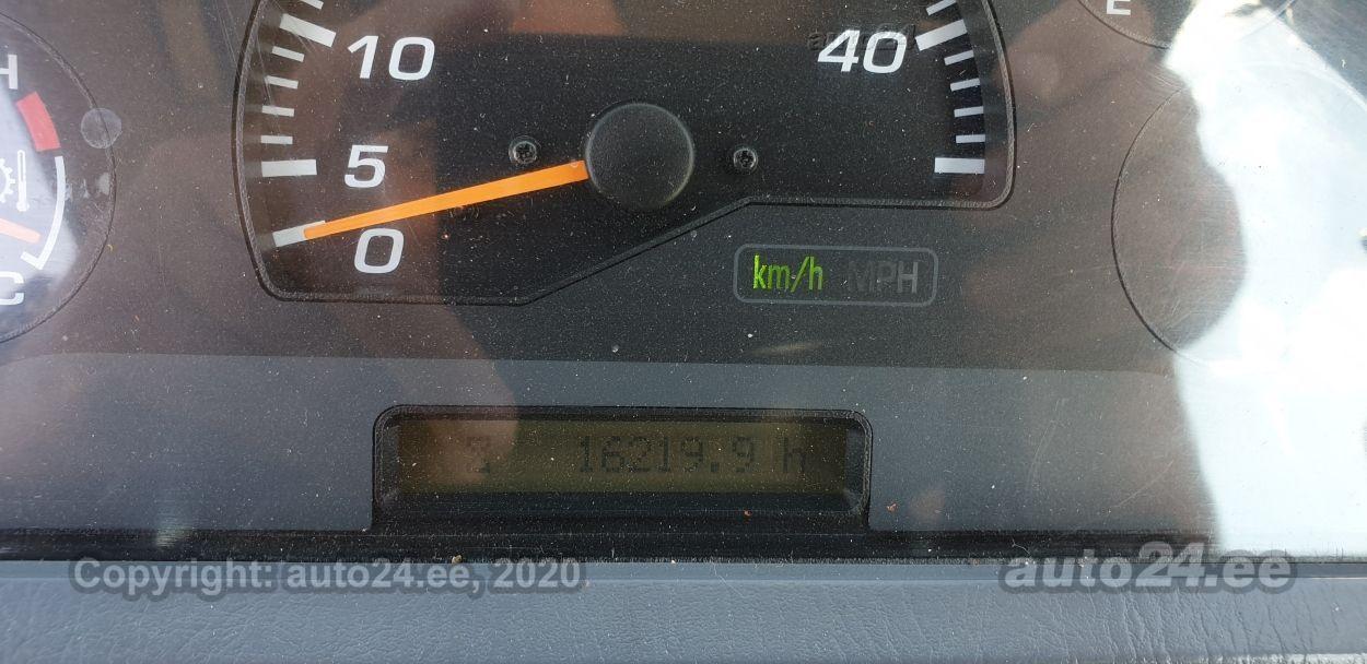 Komatsu WA320-5 124kW