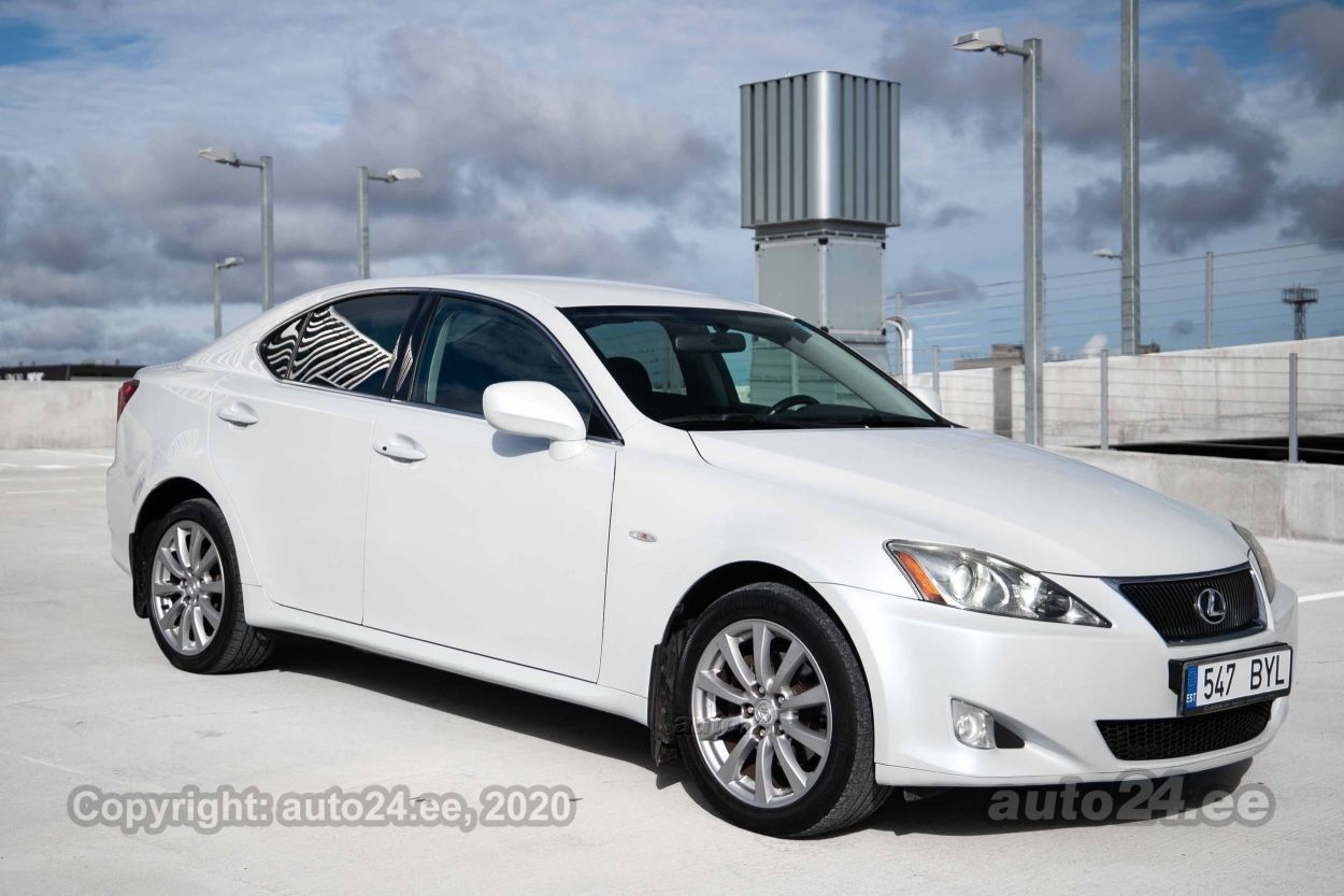 Lexus IS 220 Comfortline - Photo