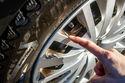 TEST: Millises automaatpesulas saab väga musta auto puhtaks?