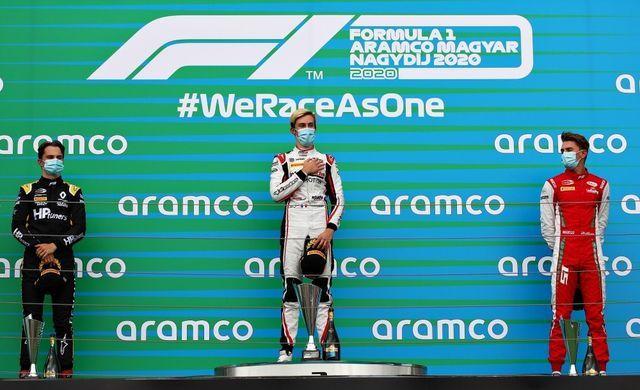 (vasakult) Piastri, Pourchaire ja Sargeant. Foto: Formula Motorsport Limited