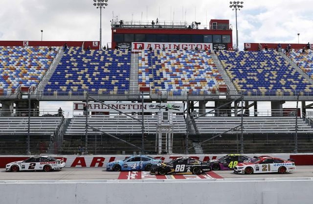 Start Darlingtonis. Foto: NASCAR/Chris Graythen/Getty Images